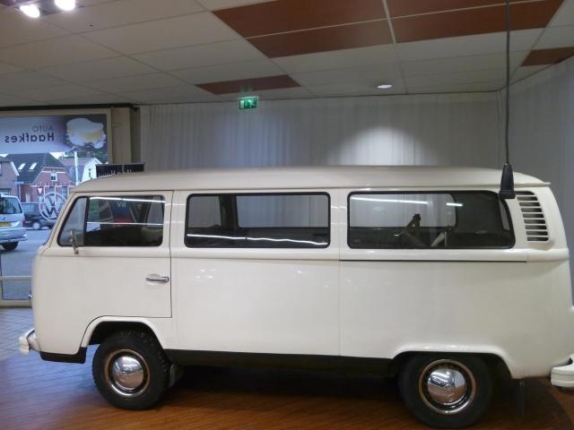 Volkswagen-T2-b