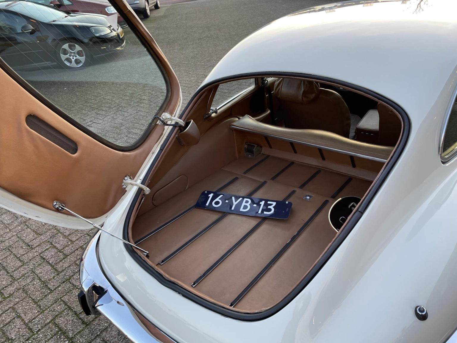 """Jaguar-""""E"""" Type-9"""