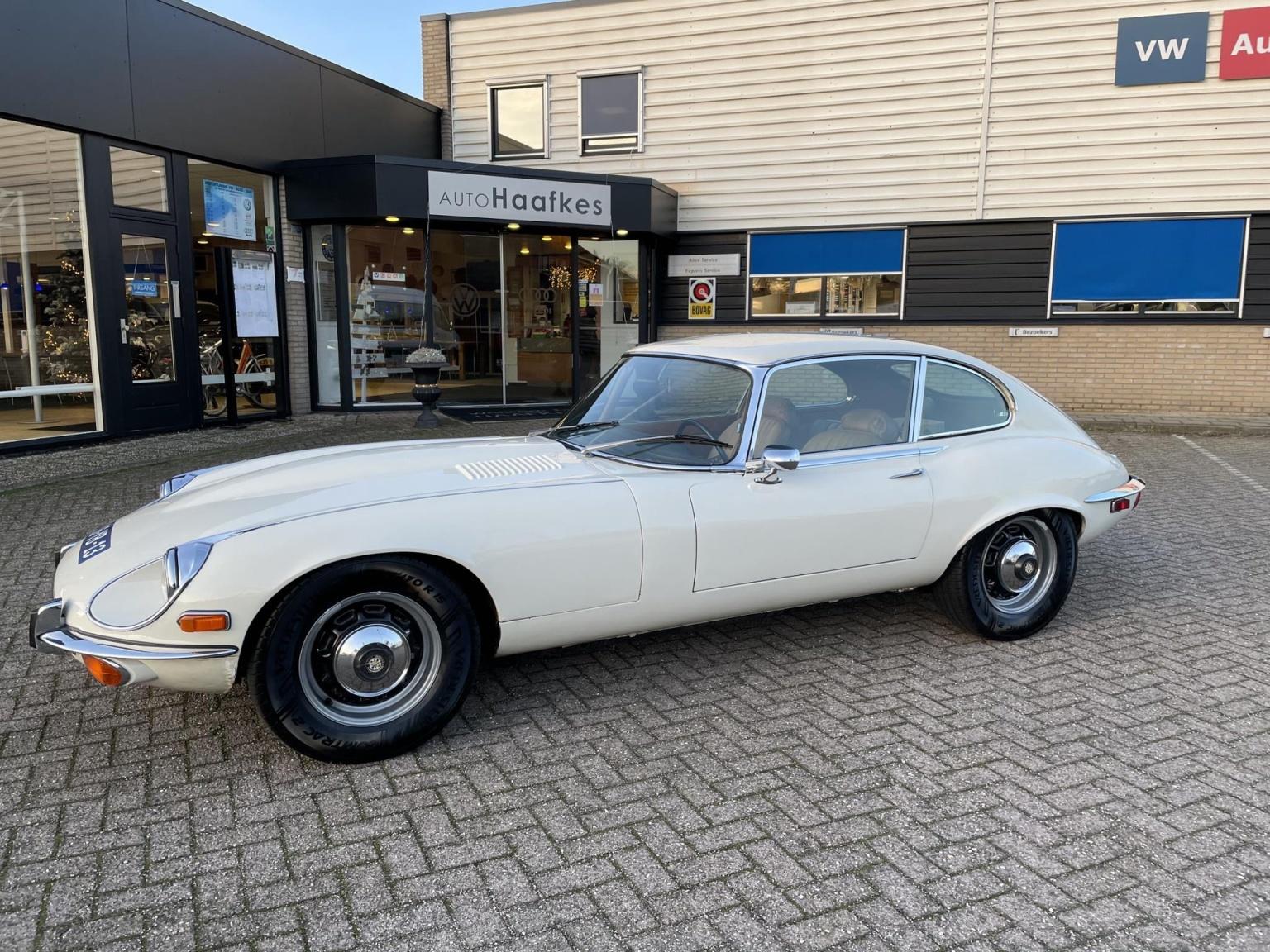 """Jaguar-""""E"""" Type-40"""