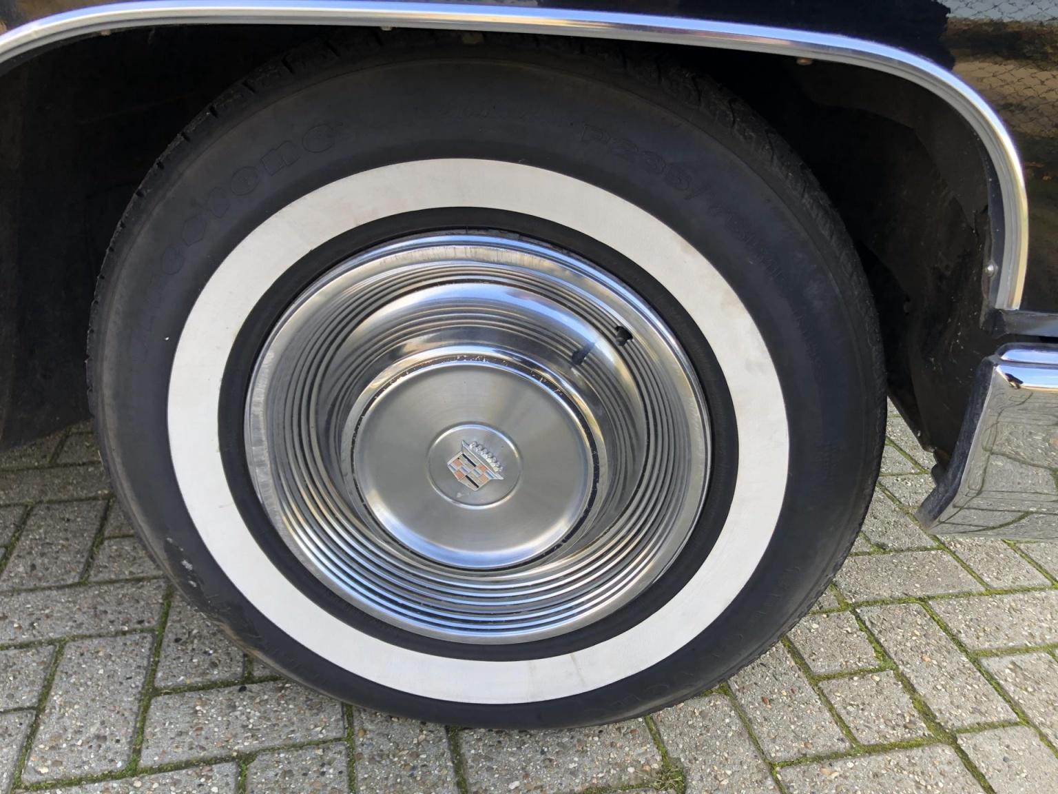 Cadillac-Coupe Deville-11