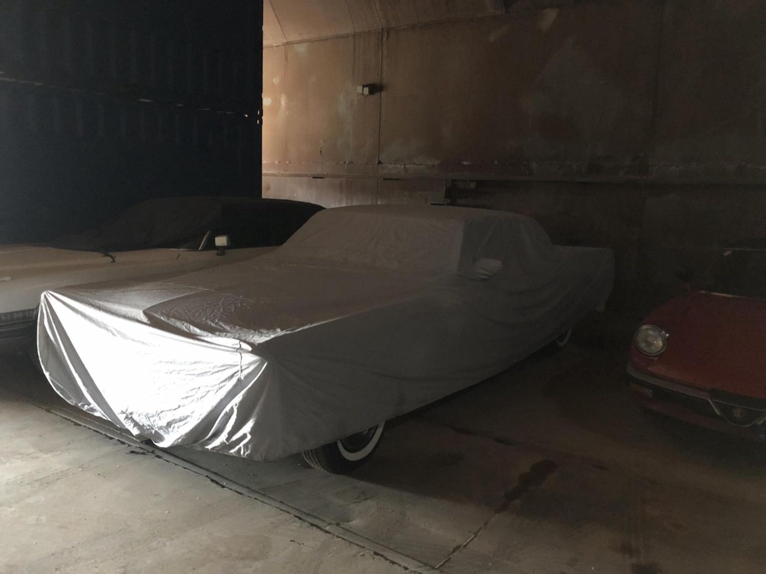 Cadillac-Coupe Deville-5