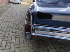Cadillac-Coupe Deville-40